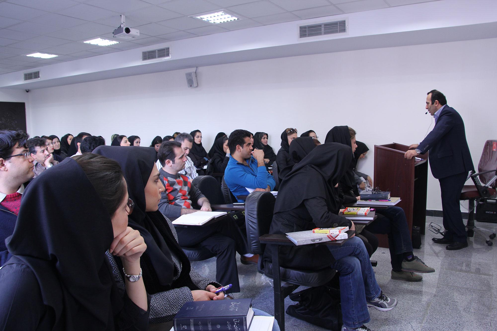 نام نویسی بیش از ۳ هزار نفر در فراخوان جذب هیات علمی دانشگاه آزاد